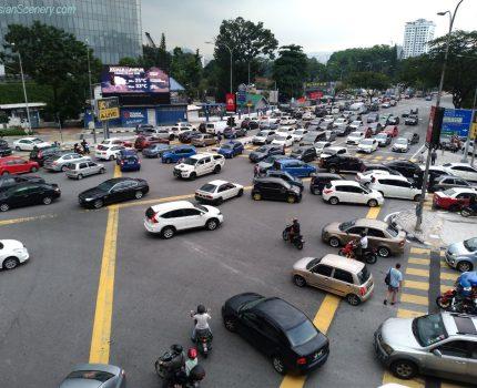 Chaotic intersection 混沌とした交差点